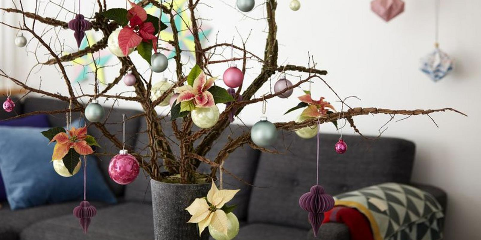 10-alternative-christmas-trees-small-spaces-6