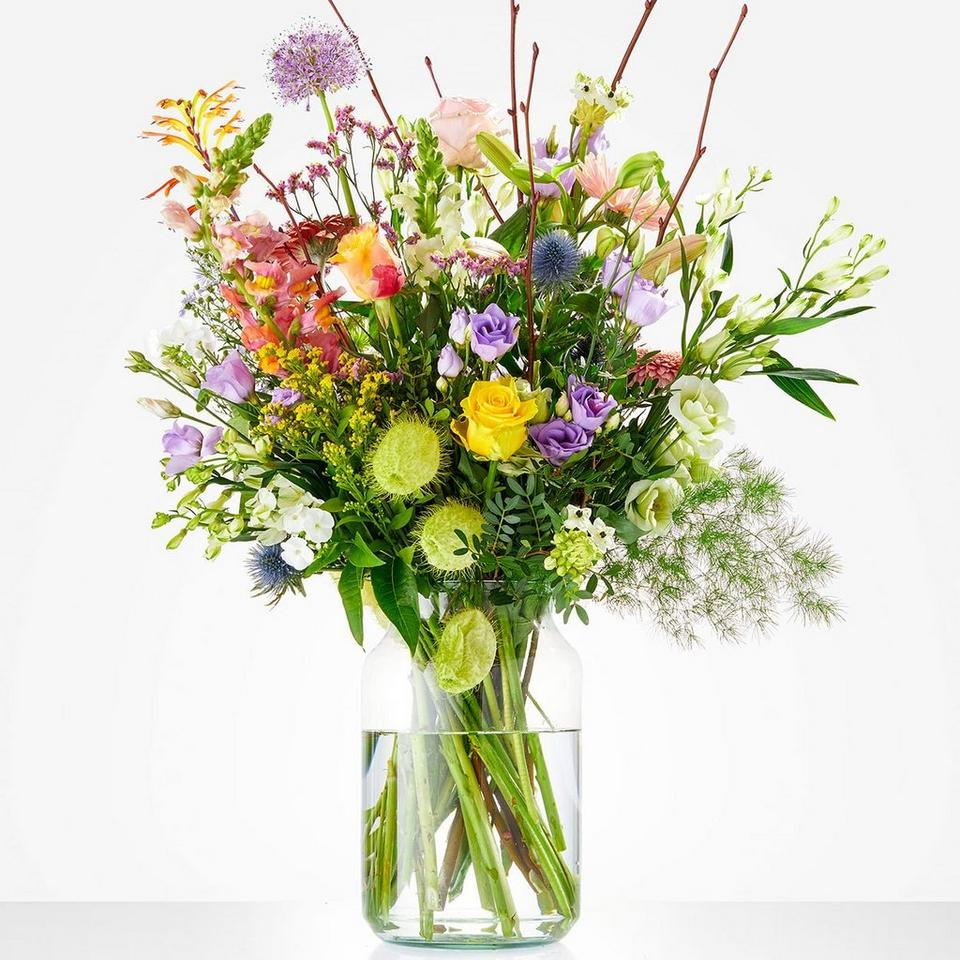 Image 1 of 1 of Bouquet: Loving gesture; excl. vase