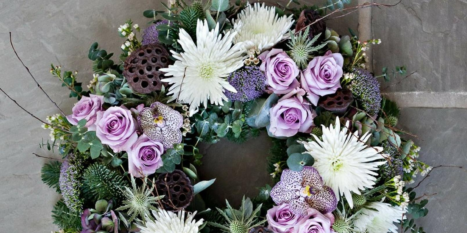 How-to-make-a-real-flower-Christmas-wreath-1