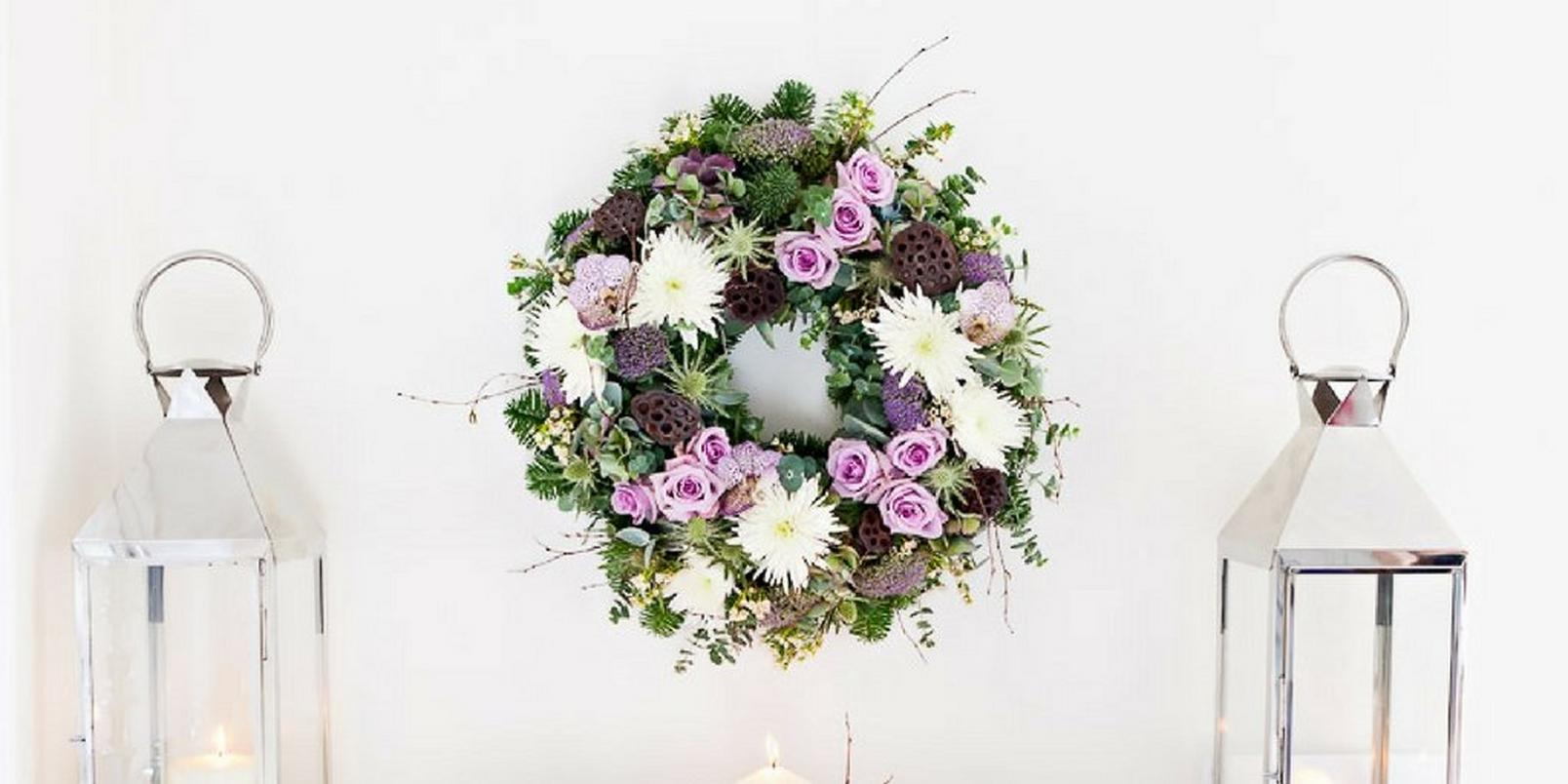 How-to-make-a-real-flower-Christmas-wreath-9