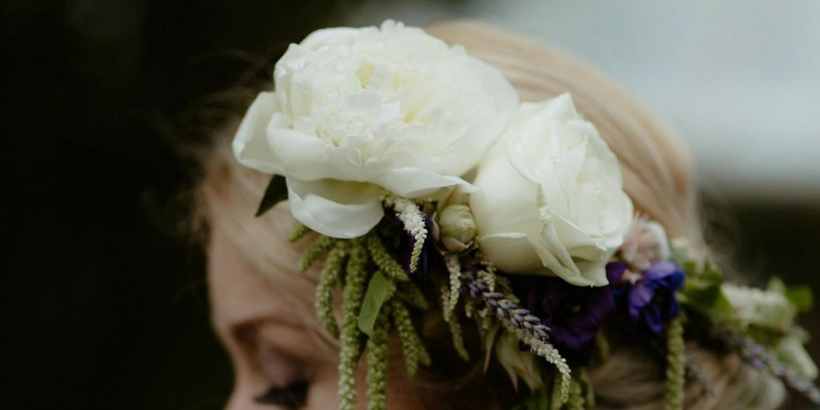 Untitled-design-5-flowers-in-hair