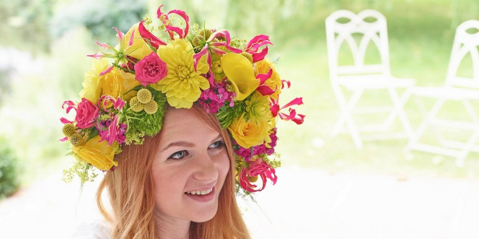 Untitled-design-6-flowers-in-hair