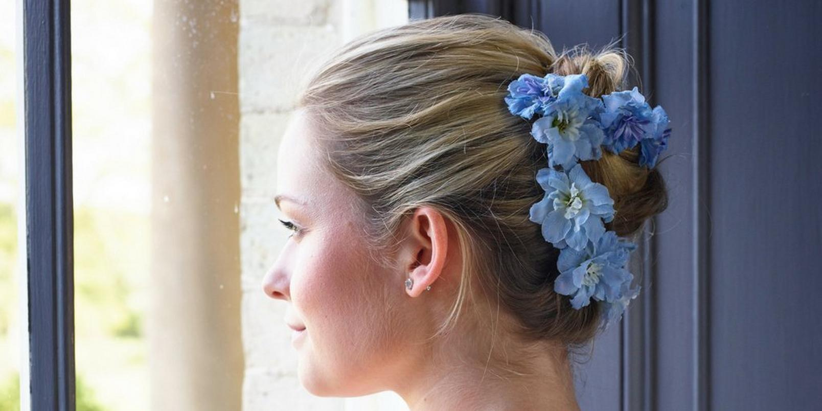 Untitled-design-7-flowers-in-hair