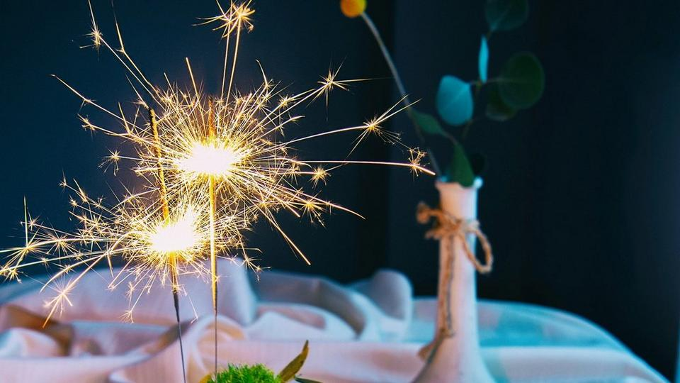 birthday-cake-sparkler