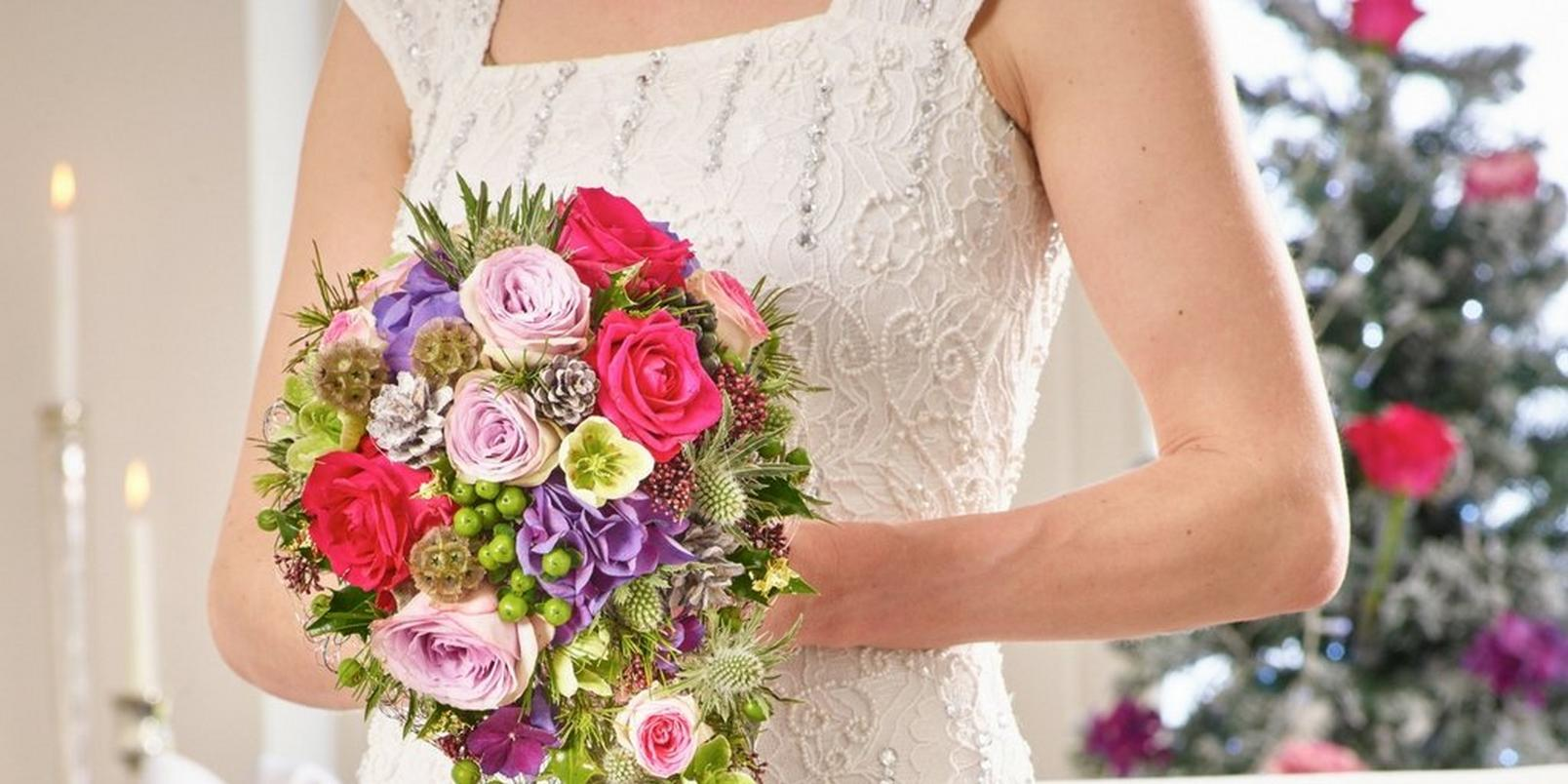 christmas-wedding-flowers-4