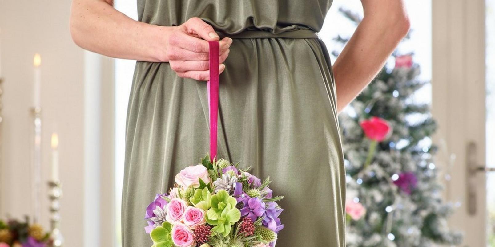 christmas-wedding-flowers-8