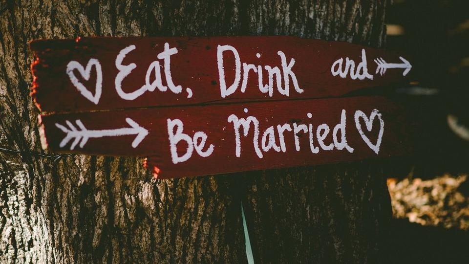 eat-drink-wedding-sign