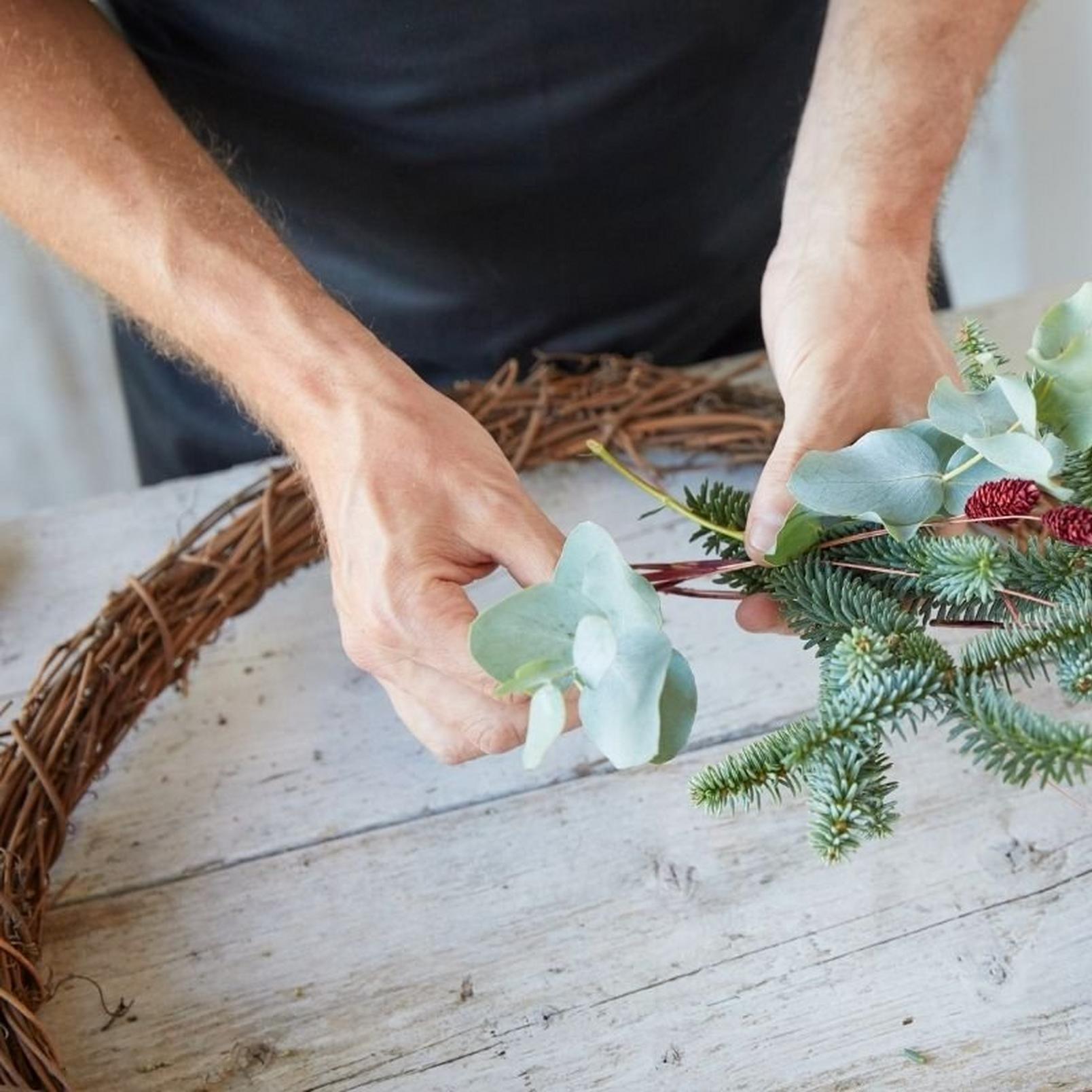 eco-friendly-wreath