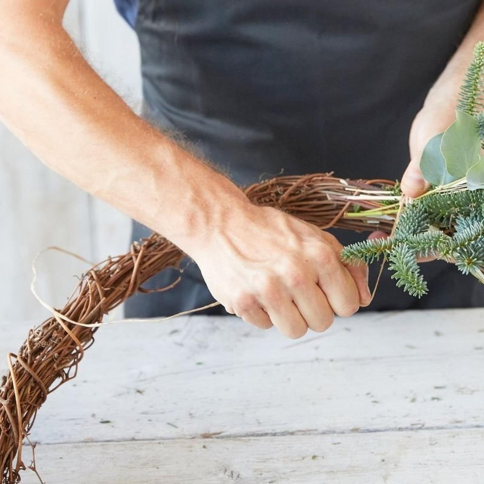 eco-friendly-wreath1-15