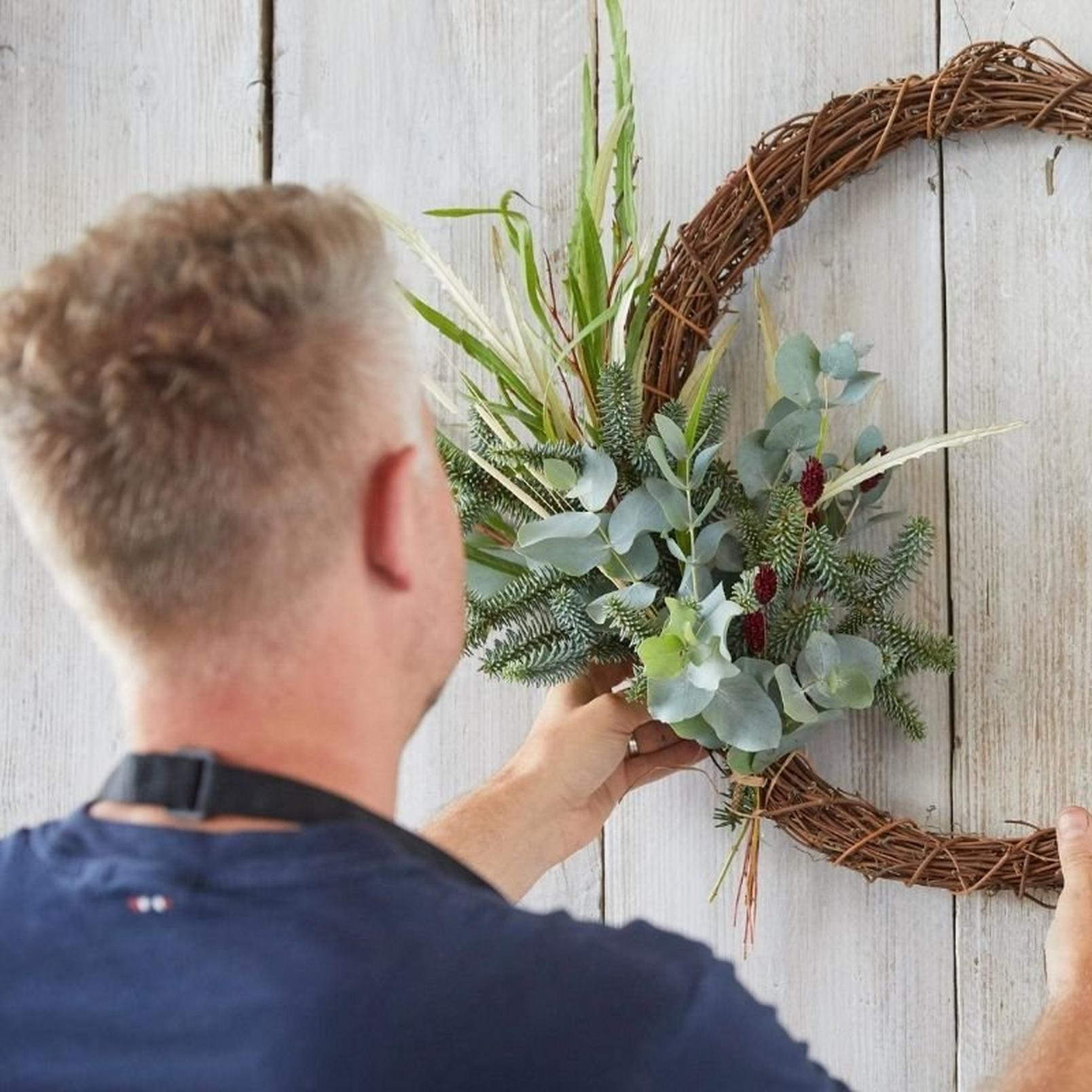 eco-friendly-wreath1-16