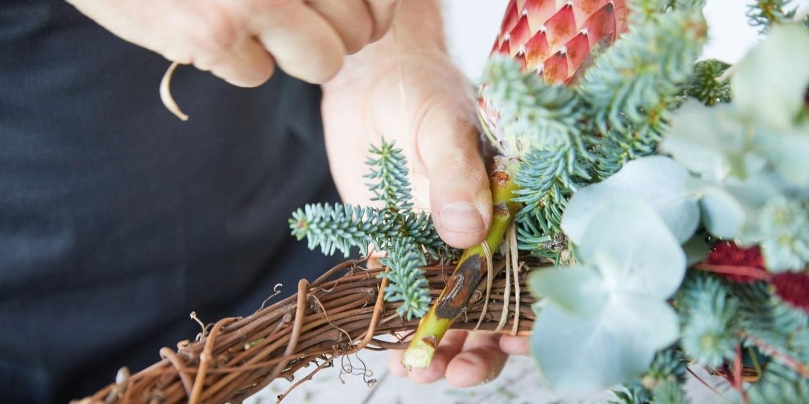 eco-friendly-wreath1-18