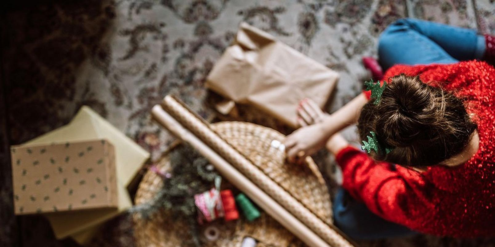 how-to-wrap-presents-like-a-pro-3