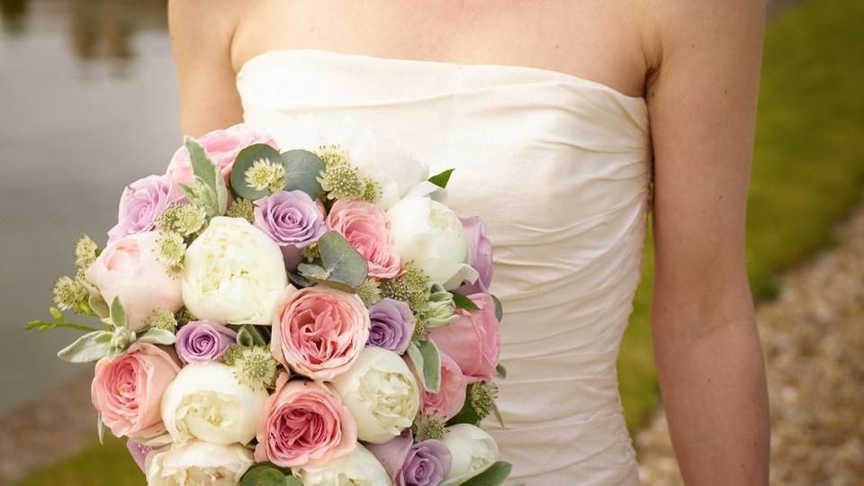 peonies-perfect-wedding-flower-2